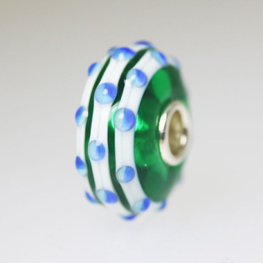 Green Unique Bead With Blue Buds