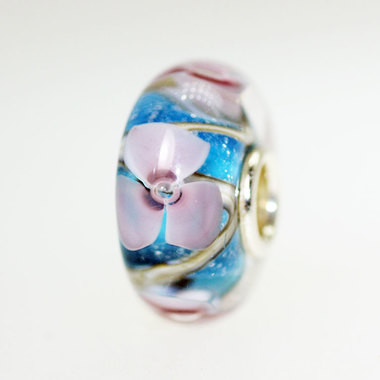 Aqua Based Flower Bead