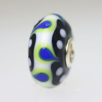 Opaque Black, Blue & White Bead