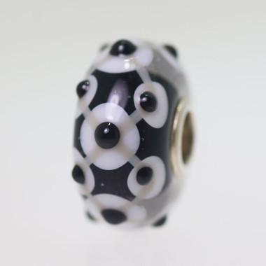 Black Unique Bead