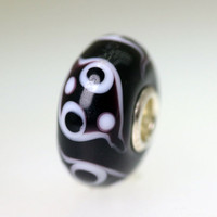 Black & white bead