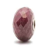 Ruby with silver core Trollbead