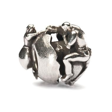 Holding on To Love Trollbead