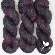 In the Clover Cadence KNOTTY-NAUGHTY SKEIN