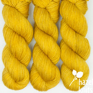 Lichen Lively DK - has a marked KNOT (reduced price!)