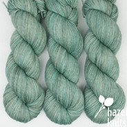 Aventurine Lively DK - has a marked KNOT (reduced price!)