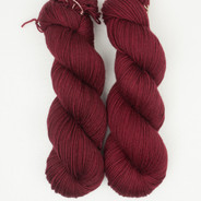 Spanish Wine Lively DK - has a marked KNOT (reduced price!)