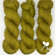 OOAK - Sedge, dyed semi-solid Lively DK