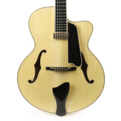 Eastman AR905CE-BD Archtop Electric Guitar in Blonde with Case