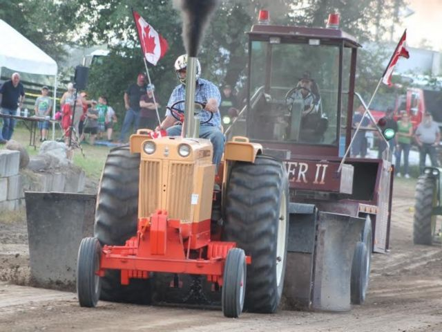 930 Case Pulling Tractor
