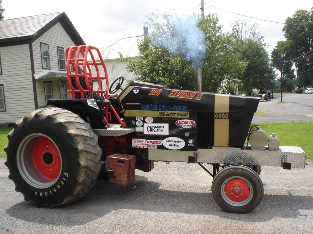 Dave Farrar 1070 Case pulling Tractor