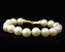 Champagne/Cream Pearl with Gold Clasp Bracelet