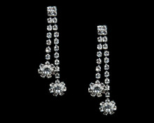 Sparkling Rhinestones Earrings with Flowers