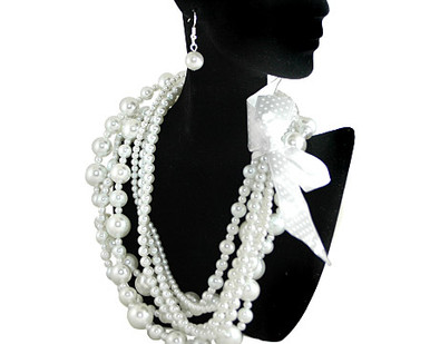 White Pearl jewelry necklace earring set Brides/Pearl Bridal Jewelry