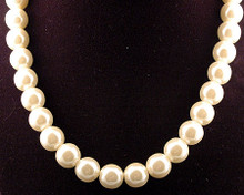Pearl Necklace with Silver Magnetic Clasp