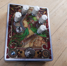 FuzzHugger Algal Bloom V2 Fuzz guitar pedal