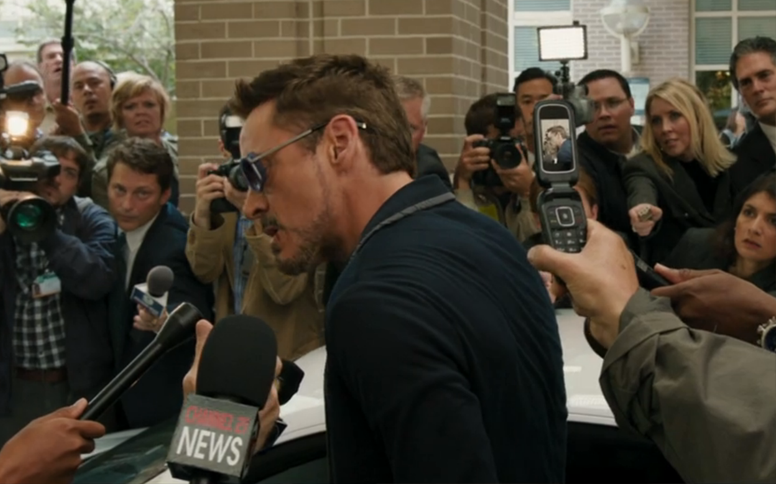 robert-downey-jr-wearing-matsuda-m3023-sunglasses-2.png