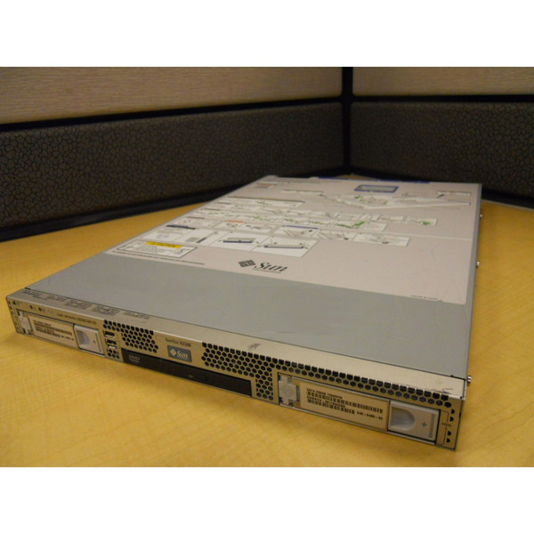 SUN A84-GPZ1 -- X2100 M2 Server DC 2.8GHz 2GB Memory 250GB HD Rack Kit