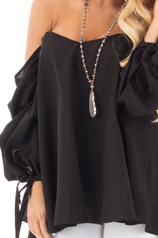 Black Off Shoulder Sweetheart Blouse with Gathered Sleeves detail