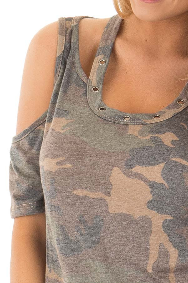 Camouflage Scoop Neck Tee with Cut Out Details detail