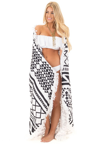 White and Black Round Mosaic Beach Towel