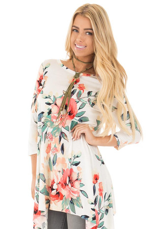 Ivory Floral 3/4 Sleeve Swing Tunic Top front close up