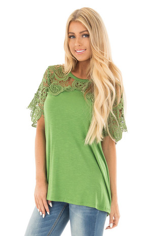 Kelly Green Short Sleeve Floral Lace Yoke Top front close up