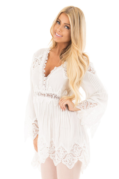 Ivory Scallop Edged Crochet Detailed High-Low Tunic Top front close up