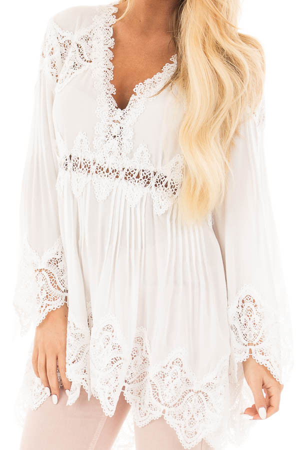Ivory Scallop Edged Crochet Detailed High-Low Tunic Top front detail