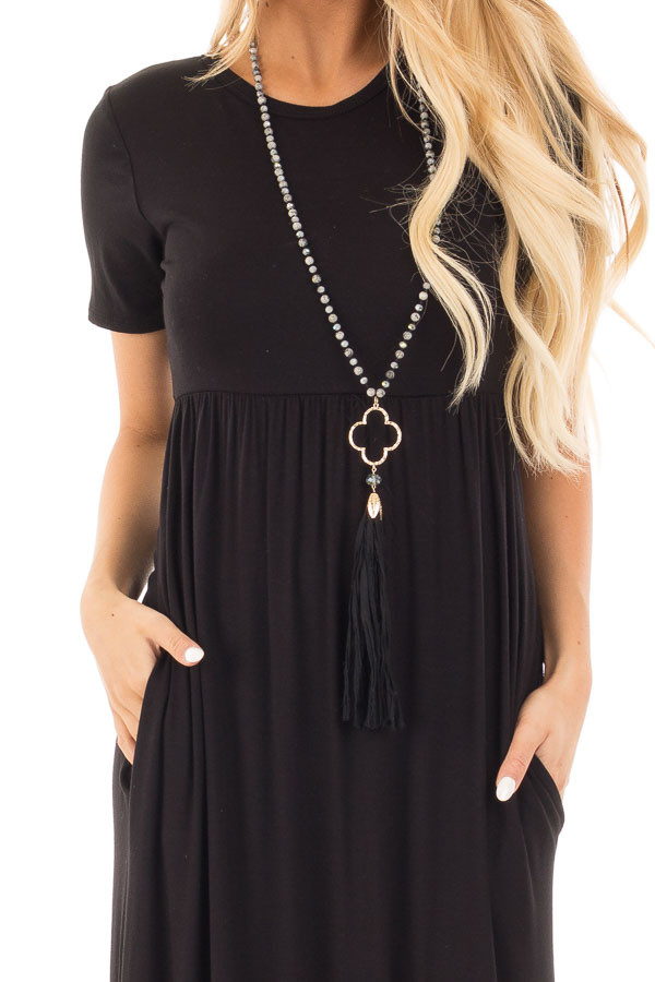 Black Short Sleeve Maxi Dress with Side Pockets detail