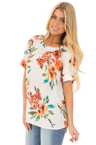 Ivory Floral Print Short Sleeve Top with Key Hole Back front close up