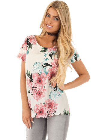 Ivory Floral Printed Short Sleeve Scalloped Edge Top front close up