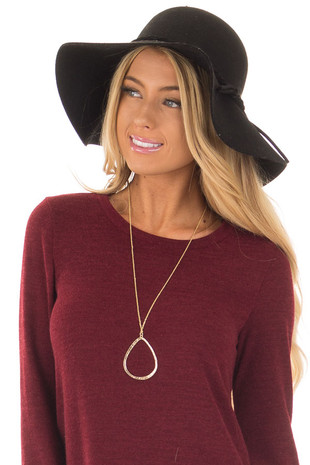Gold Necklace with Teardrop Pendant