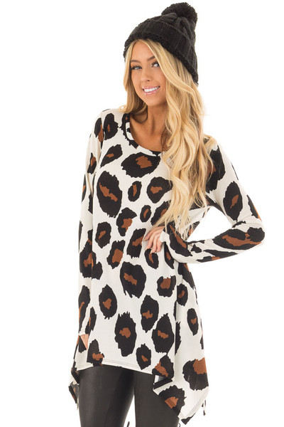 Ivory Leopard Print Top with Pockets front close up