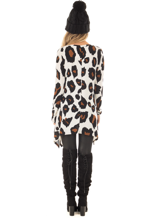 Ivory Leopard Print Top with Pockets back full body