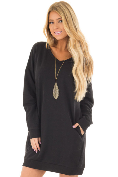 Black Long Sleeve Tunic with Hidden Pockets front closeup