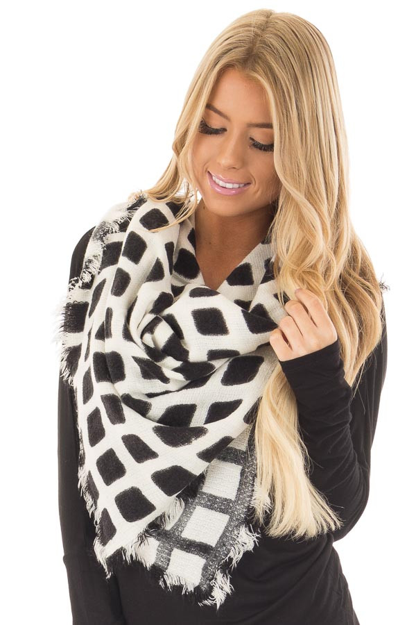 Black and Ivory Checkered Blanket Scarf with Fringe Detail front close up