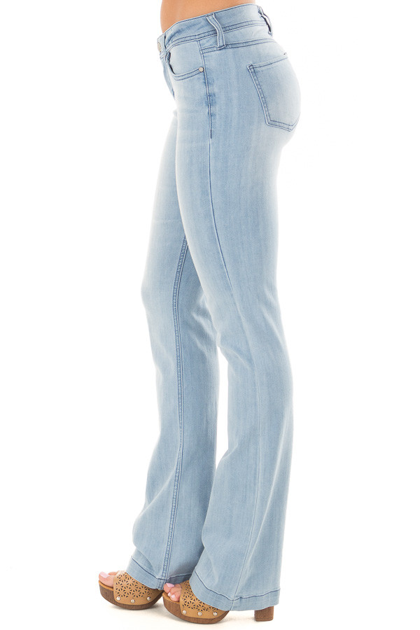 Light Wash Kick Boot Jeans right side