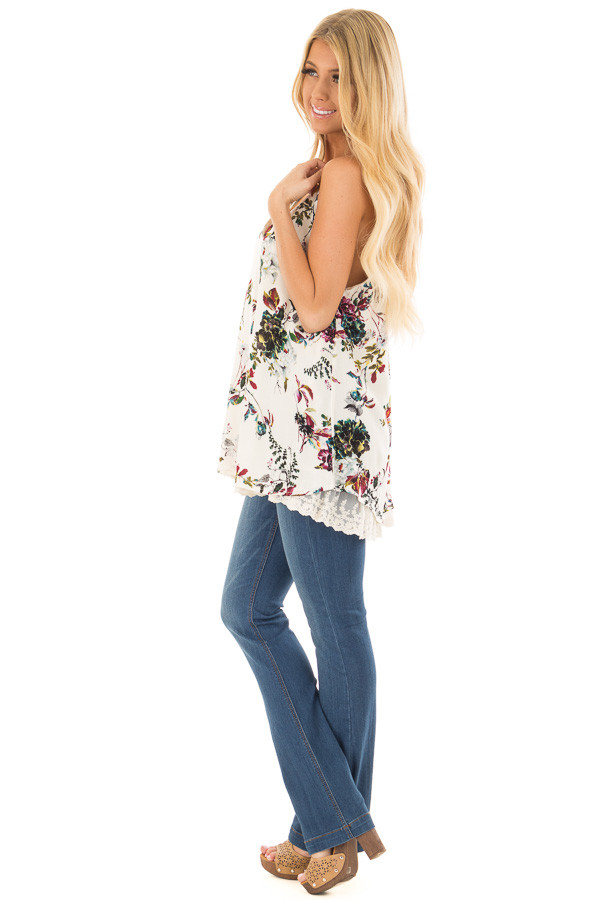 Cream Floral Sleeveless Top with Lace Trim side full body