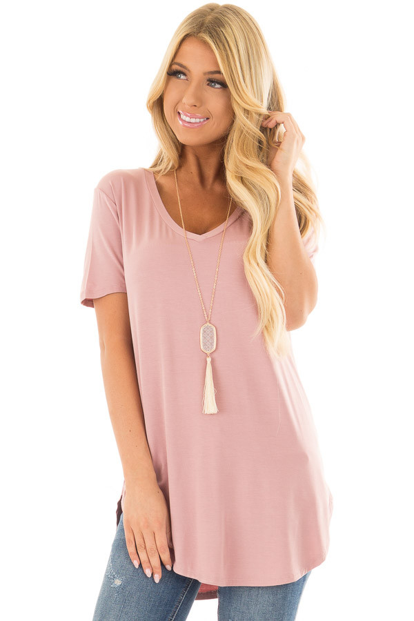 Mauve Loose V Neck Tee front close up