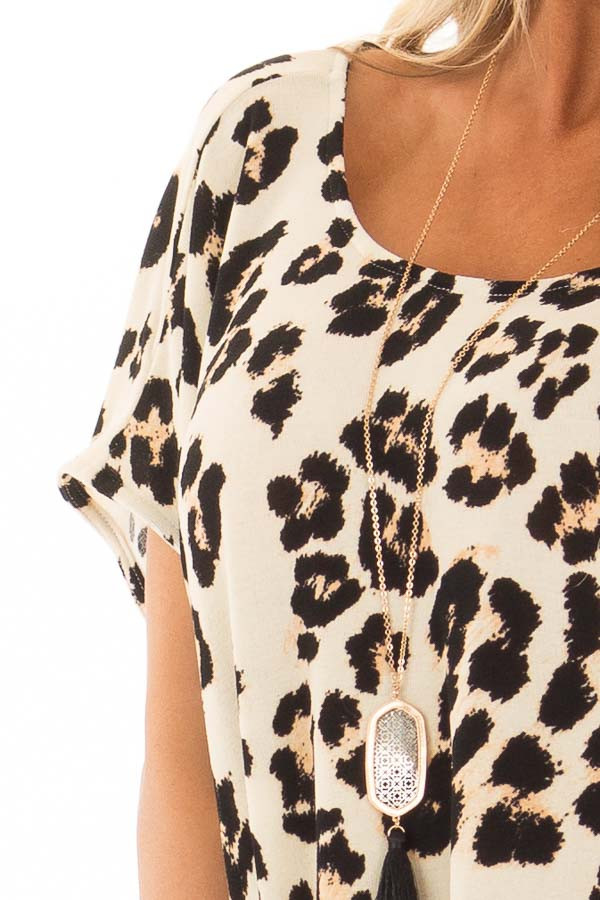 Cream Leopard Print Oversized Tunic with Pockets detail