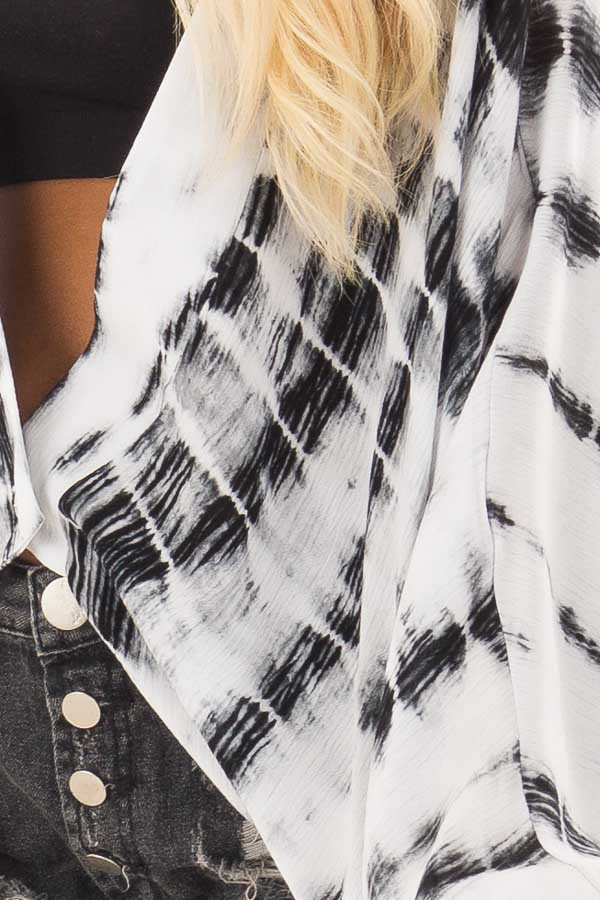 Black and White Tie Dye Dolman Sleeve Cardigan front detail