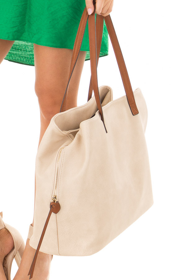 Ivory Tote with Three Large Compartments detail