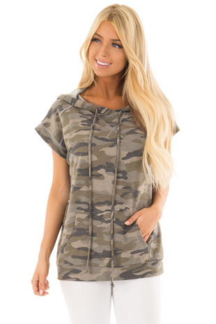 Olive Camouflage Short Sleeve Hoodie with Front Pocket front close up