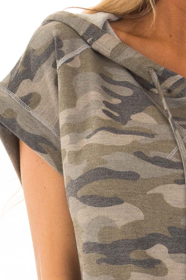 Olive Camouflage Short Sleeve Hoodie with Front Pocket detail