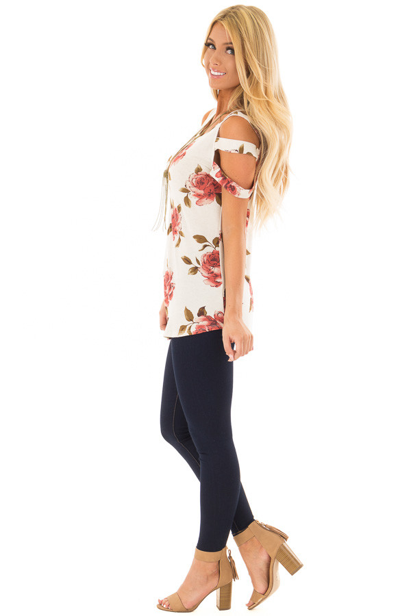 Oatmeal Floral Caged Short Sleeve Top side full body