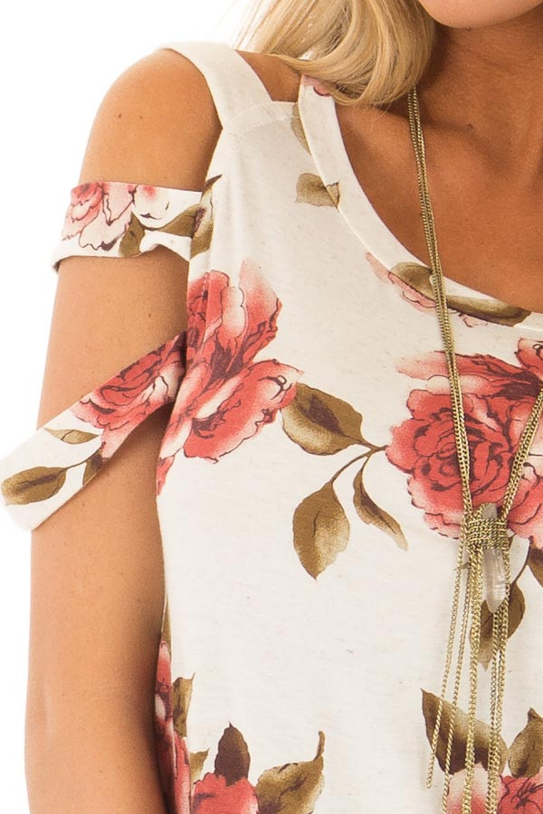 Oatmeal Floral Caged Short Sleeve Top detail