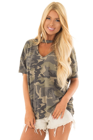 Camouflage V Neck Short Sleeve Top with Choker front close up