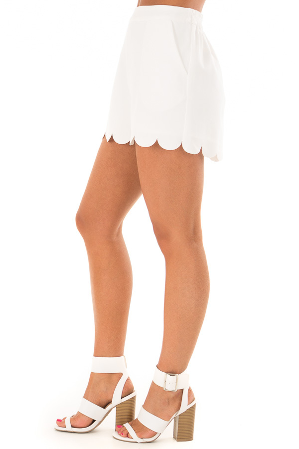 Off White Scalloped Hem Shorts with Side Pockets right side