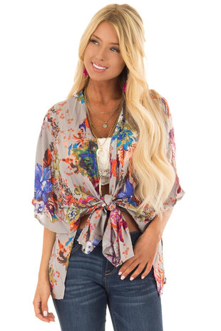 Grey Floral Print Short Sleeve Kimono front close up
